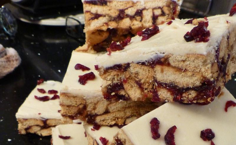 Wedding cake traybake