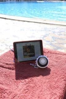 De FL3X van Philips, handig aan het zwembad.
