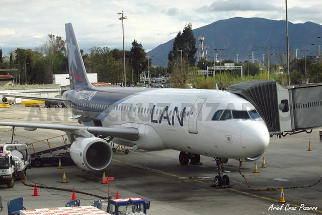 LAN Airlines - Santiago (SCL) - Airbus A320 CC-BAY