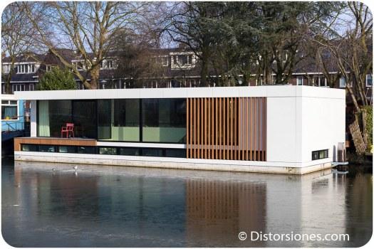 La más nueva de las casas flotantes en Utrecht