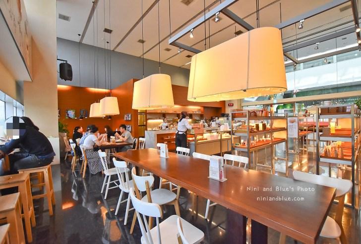 41116873902 3a4c03d447 b - 瑪利MAMA 麵包,台中愛心庇護商店,除了麵包和輕食,還有超大杯咖啡