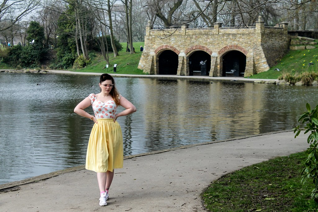 Yellowvintageskirtandcollectifpeachprintdelores