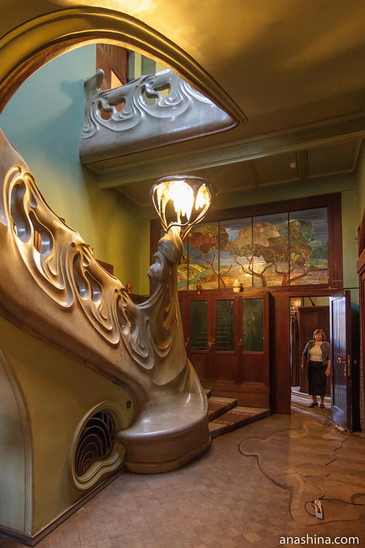 Холл с лестницей, особняк Рябушинского, Москва