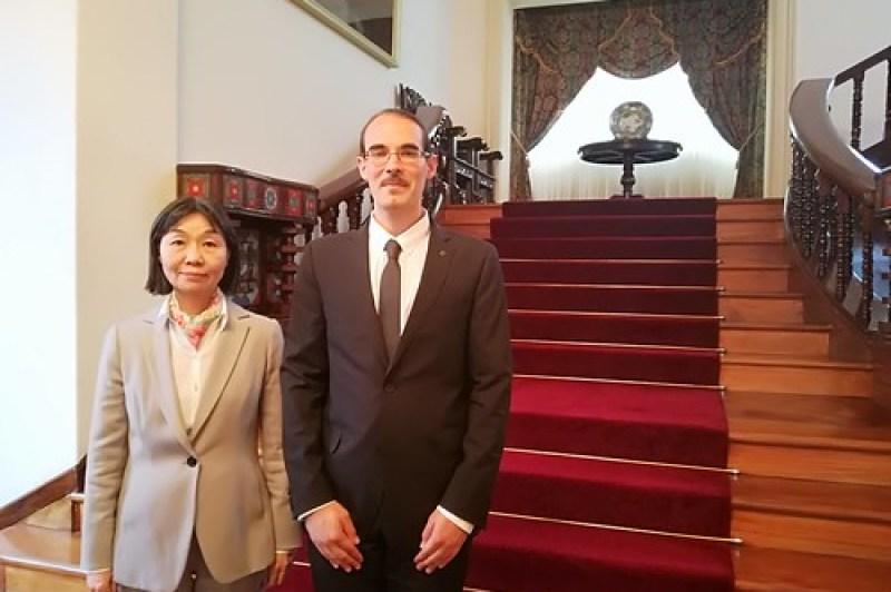 Comida con la excelentísima embajadora de Japón en Bolivia, sra. Noda Kyoko.