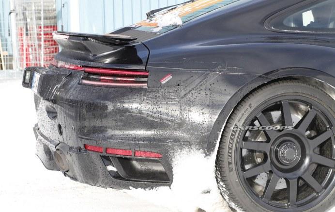 Porsche-911-GT3-Mule-16