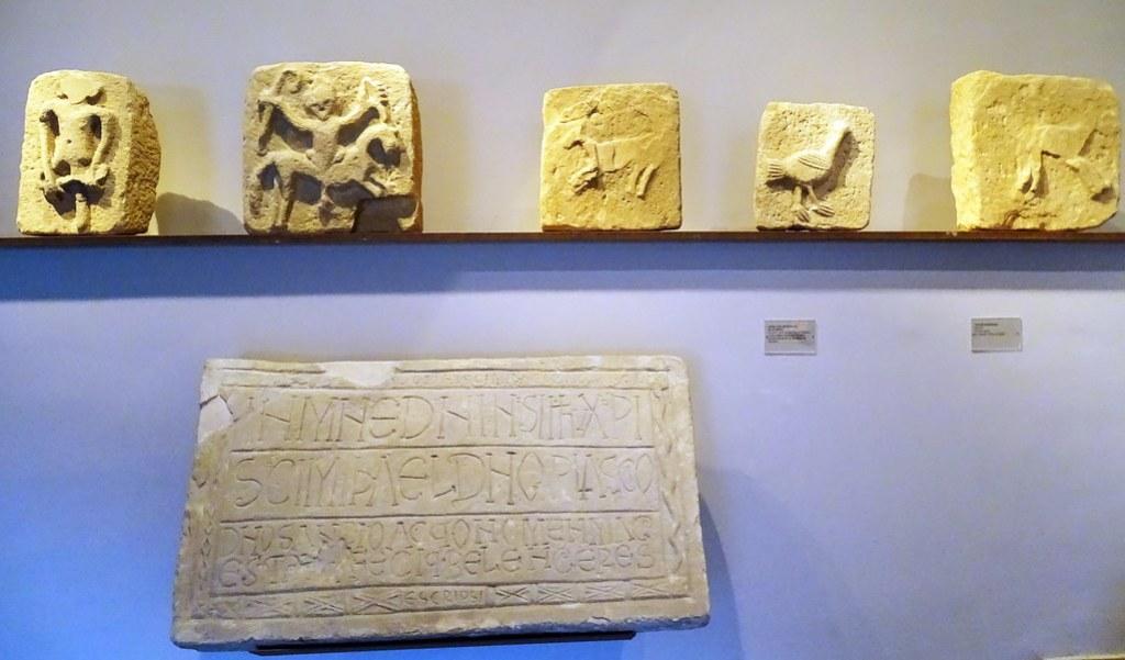 relieves prerromanicos Ermita San Miguel de Villatuerta Museo de Navarra Pamplona 02