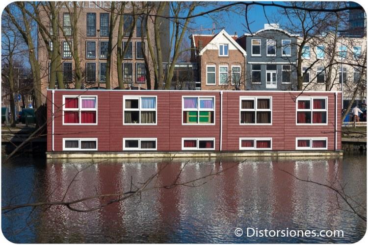 Apartamentos en una casa flotante