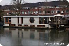 Casa flotante de dos plantas en el Kanaalweg  de Utrecht