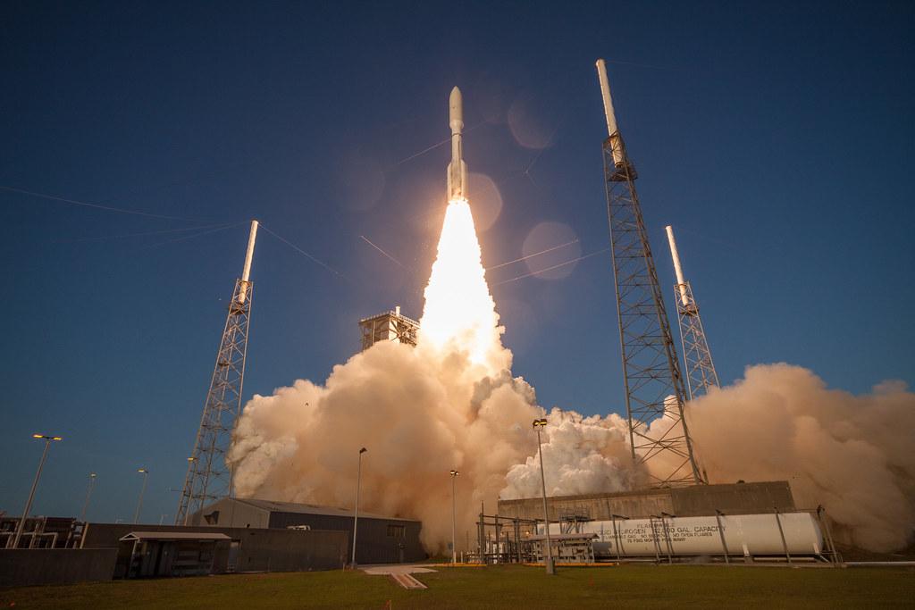 Liftoff! Atlas V AFSPC-11