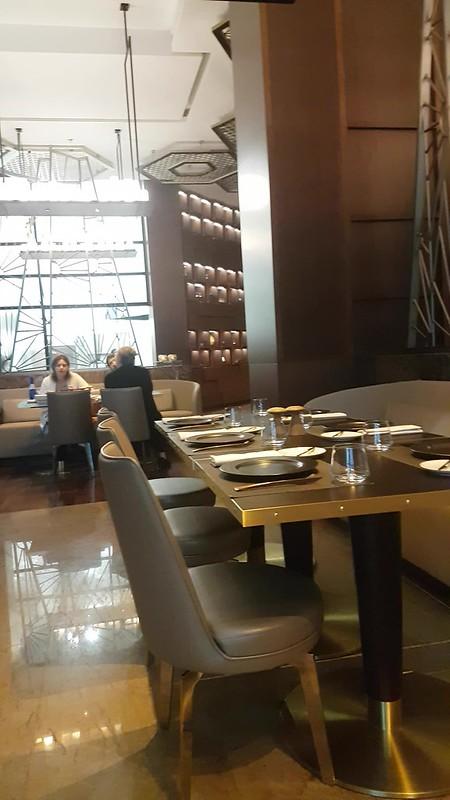paragraph restaurant