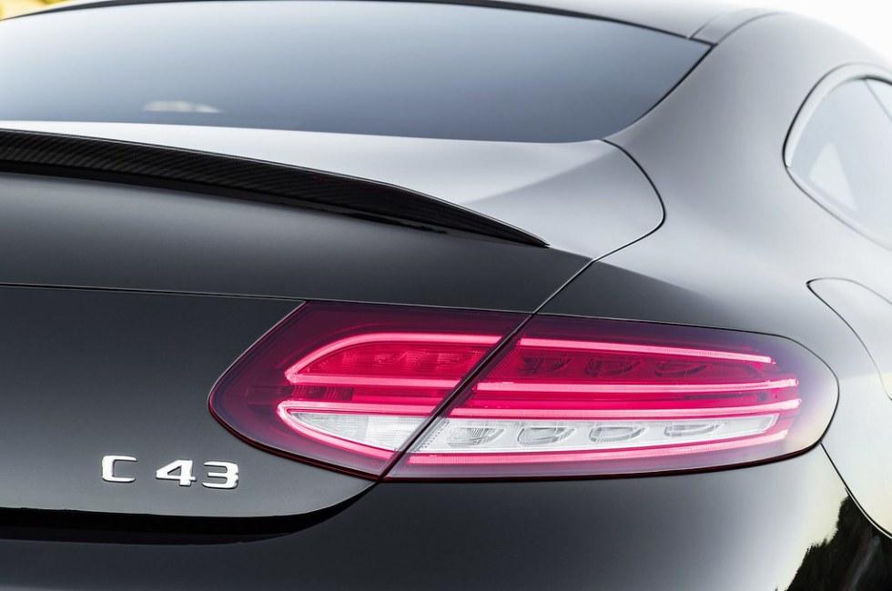 Mercedes-C-Class-Coupe-Cabrio-29