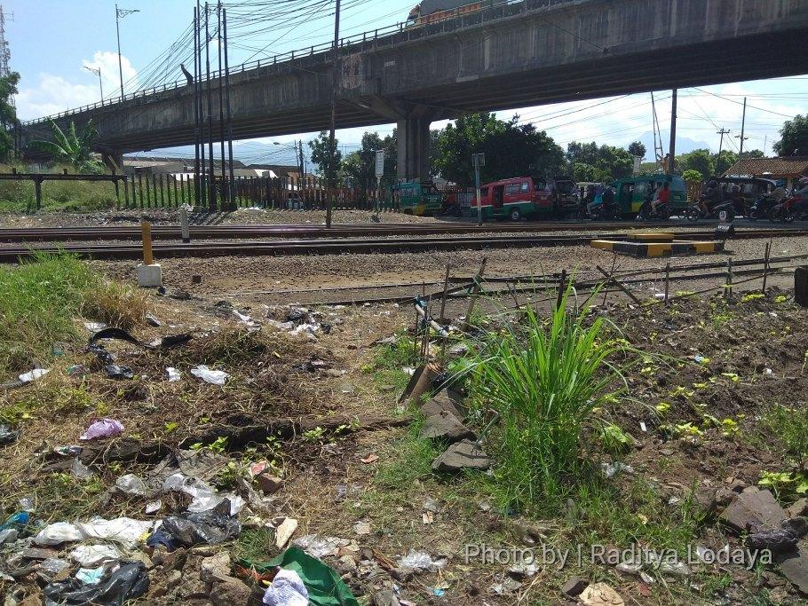 Foto Jalur Rel Mati Bandung (Kiaracondong-Karees): Jalur 3 ke Karees
