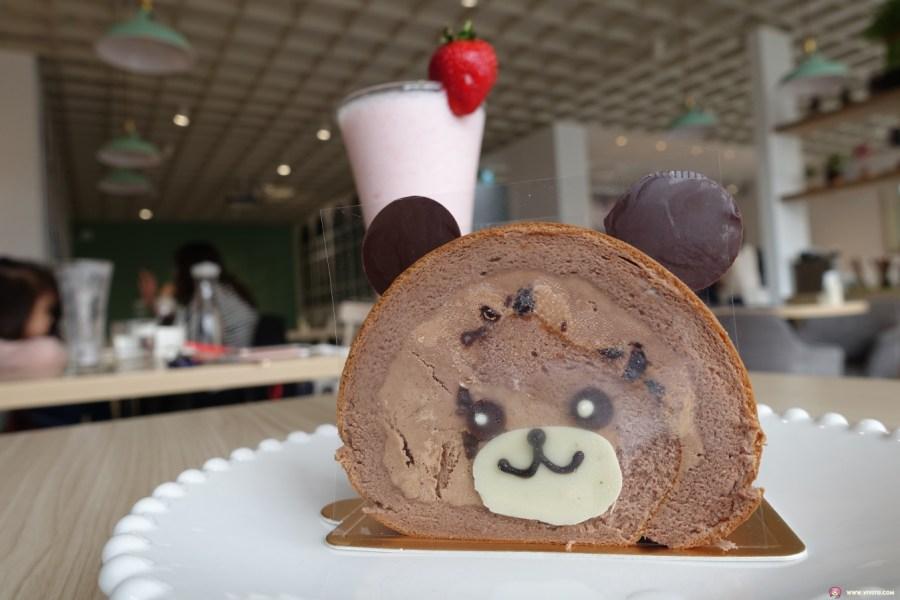 [桃園美食]翻轉甜點 flipbakery(二訪)~桃園法院附近甜點店~附設免費停車場.季節限定草莓舒芙蕾鬆餅 @VIVIYU小世界