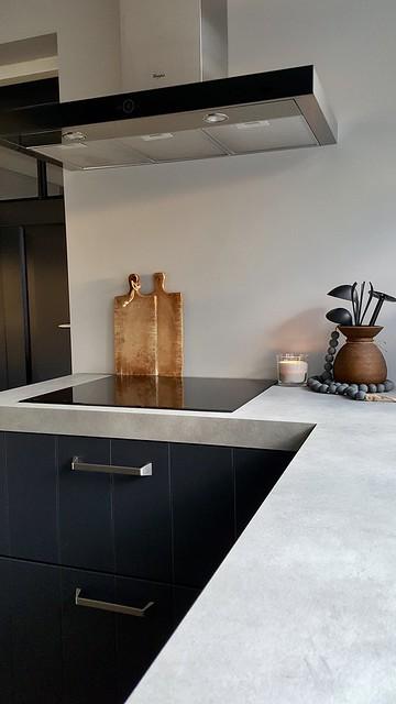 Zwarte keuken landelijke stijl