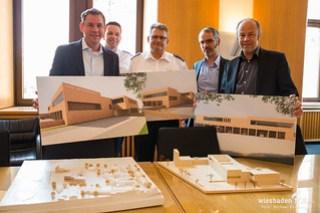 Pressekonferenz Neubau Feuer- und Rettungswache Igstadt 09.05.18