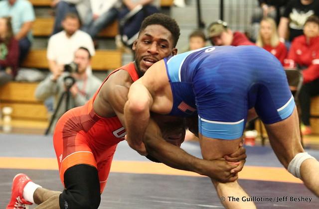 61kg: Nahshon Garrett (Sunkist Kids) vs Nico Megaludis (Nittany Lion WC). 180520AJF0040