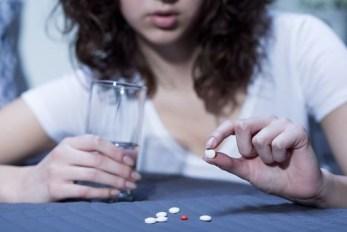 Jangan Konsumsi Obat Kimia Kalau Penyakitmu Tidak Sembuh