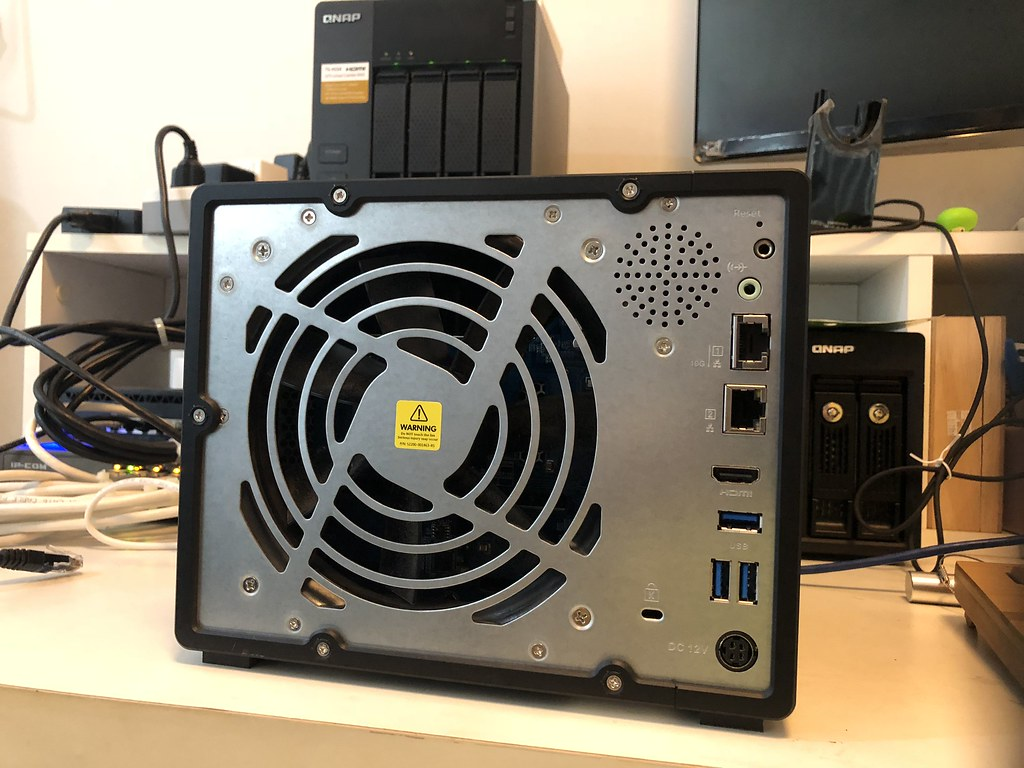 รีวิว QNAP TVS-951X SMB Mid-range NAS ประสิทธิภาพดี ราคา