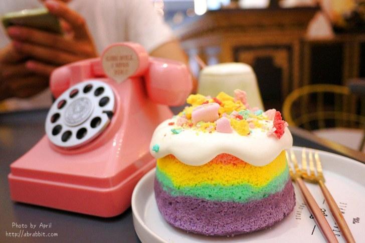 43025119424 d10ecf1145 b - 台中逢甲甜點 LOVE PEACE-超美的彩虹蛋糕、海綿寶寶馬卡龍(10月過後新店開幕目前暫停營業)