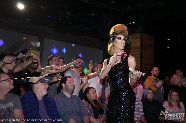 dragshow12-12-32