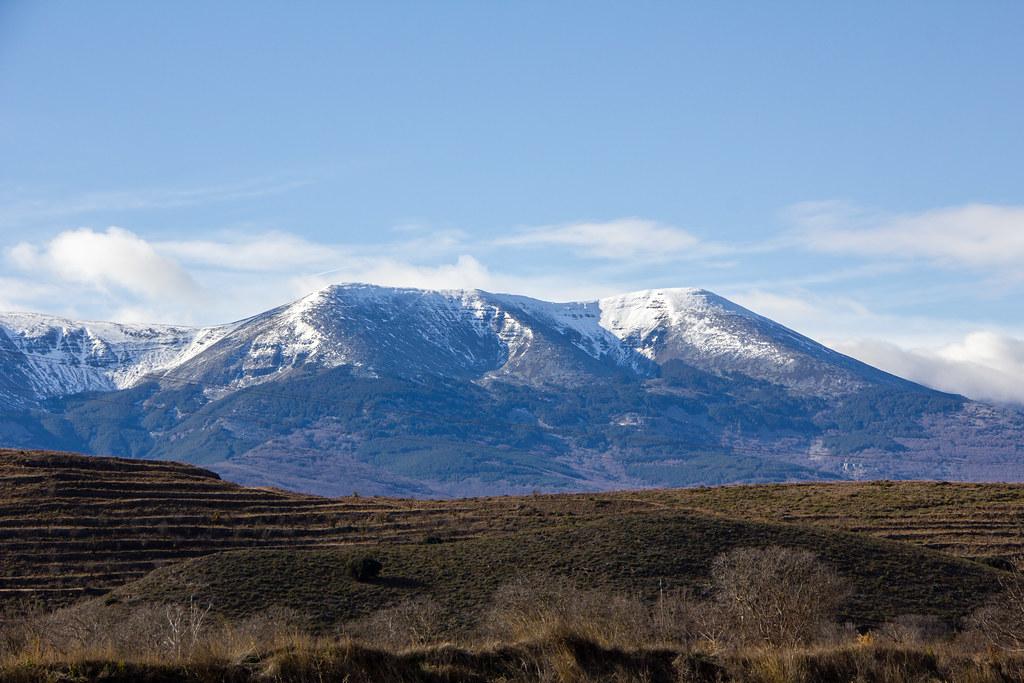 El Moncayo montaña del Sistema Iberico desde Vera de Moncayo Zaragoza 03