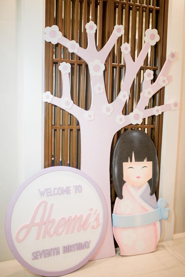 girly japanese party entrance