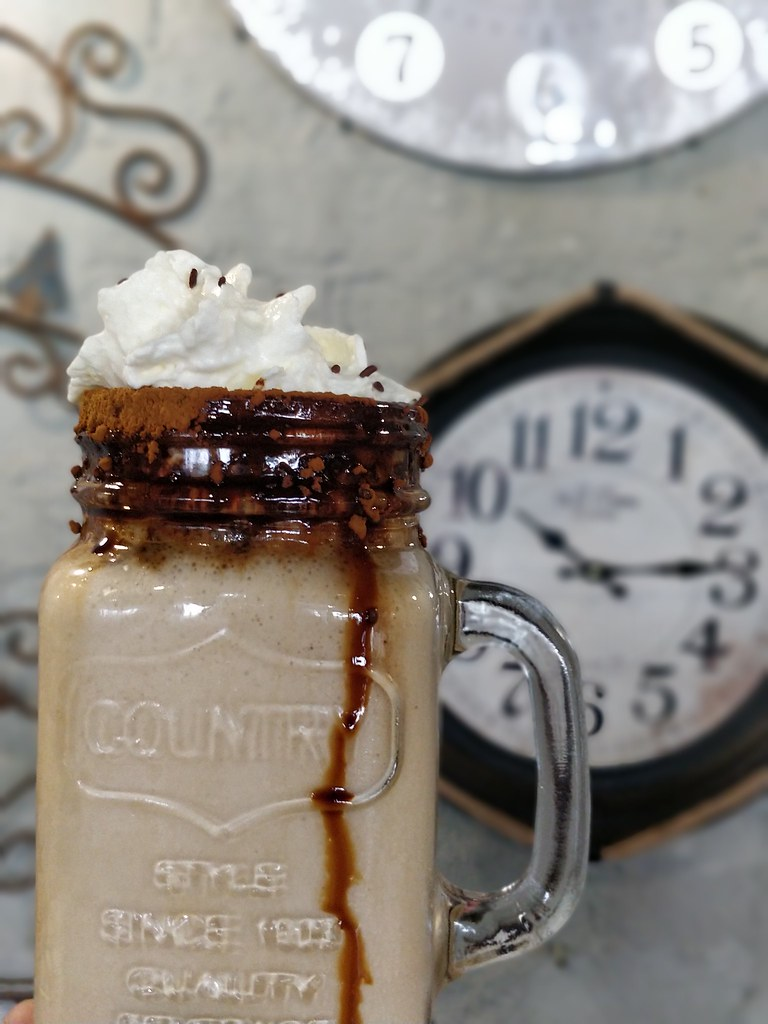 The Waffle Cafe South Africa Alzu Petroport coffee milkshake
