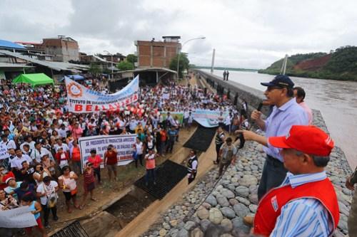 Presidente Martín Vizcarra supervisa obras de defensa ribereña en el río Huallaga