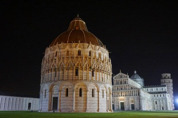 Piazza dei Miracoli at night, Pisa