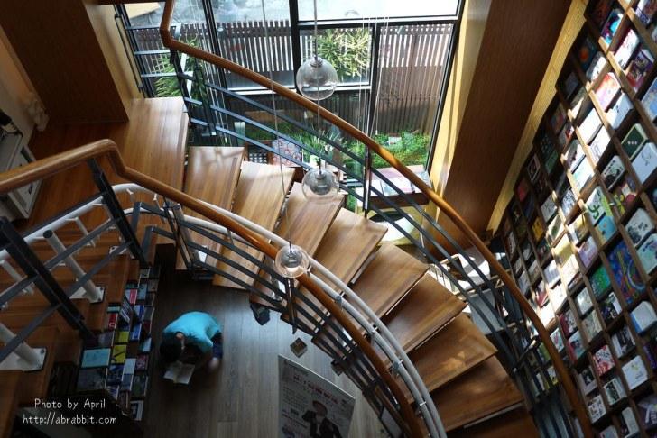 42923729421 cf29351959 b - 台中獨立書房│羅布森書蟲房-號稱台中最美的森林系書店