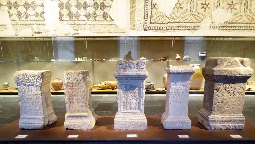 Ara romana, altares donde sacrificaban animales para los dioses Museo de Navarra Pamplona