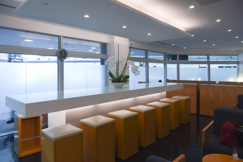 cathay pacific business class lounge melbourne