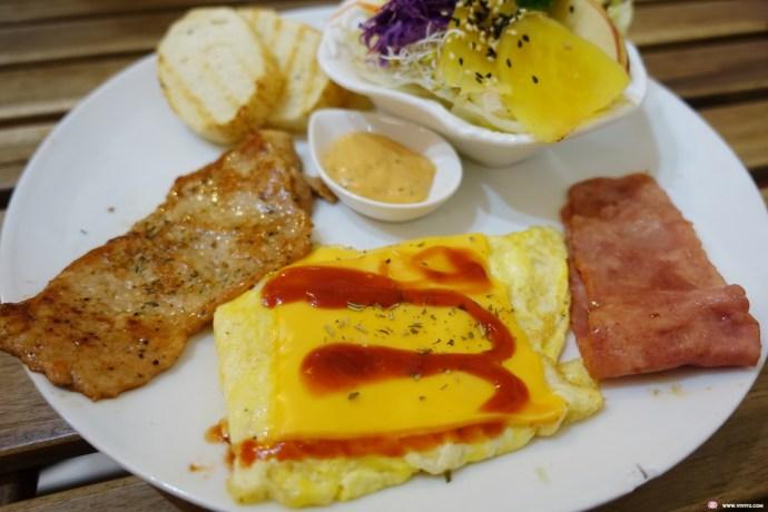 [八德美食]麥田菜園早午餐~八德大潤發附近的美味餐點.香濃南瓜豆漿好濃好綿密 @VIVIYU小世界