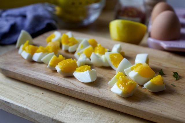 medium-cooked eggs