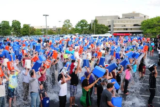 mass-ice-bucket-challenge-720x720