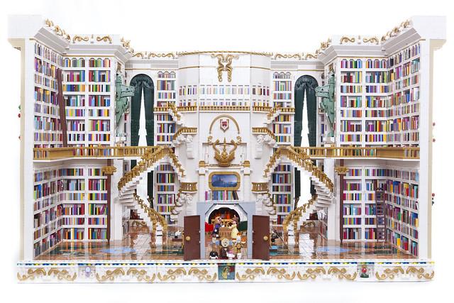 Beauty and the Beast Library - La Belle et la Bête