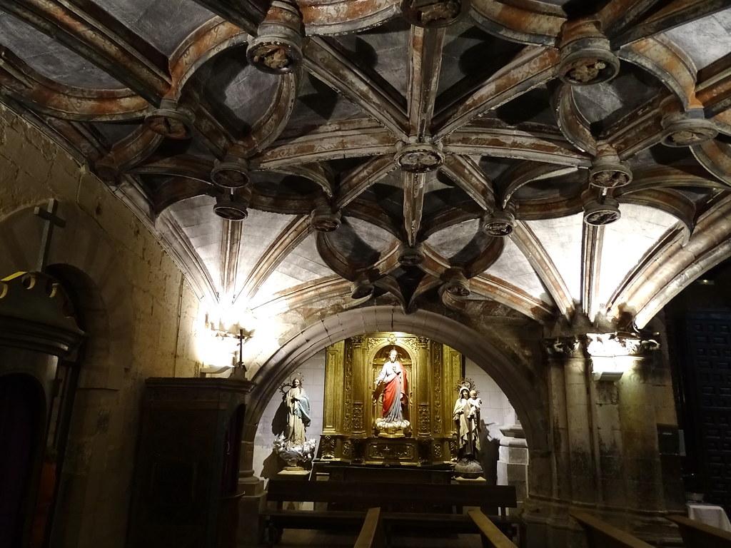Capilla del Sagrado Corazon Iglesia de Santa Maria Navarra 01