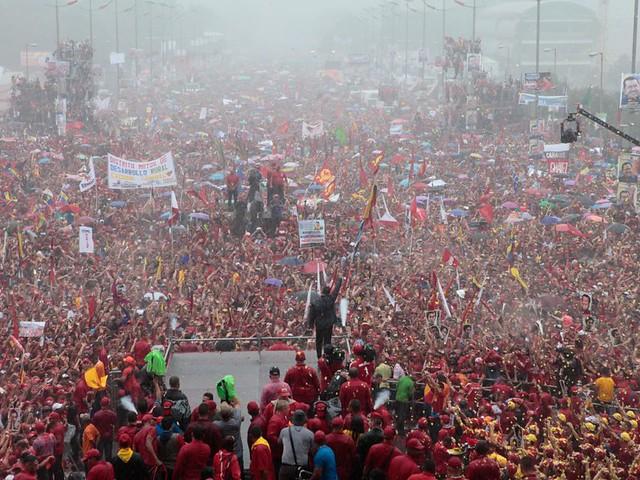 Mais de um milhão de pessoas recebem Chávez no encerramento de campanha no dia 4 de outubro de 2012 - Créditos: Foto: Minci/Venezuela