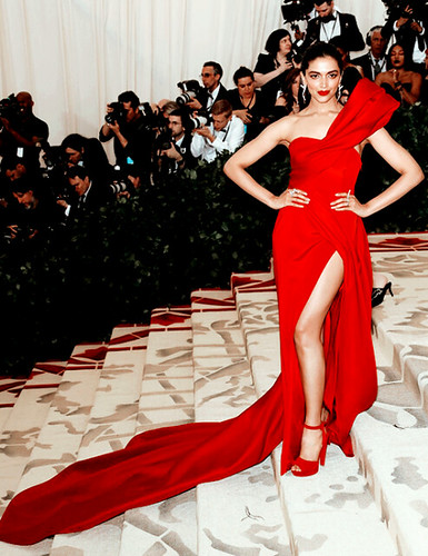 deepika-face-appreciation: Deepika Padukone at the Met Gala…