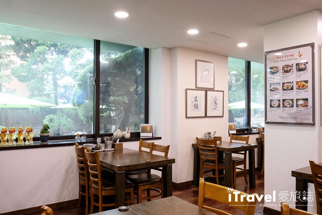 首尔美食餐厅 北村百年土种蔘鸡汤 (28)
