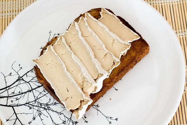 Esto no es un queso Camembert, de Mommus