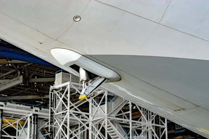 180722 ANA機体工場見学「B777-300テールスキッド」