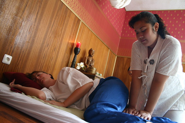 Thai massage happy end frankfurt