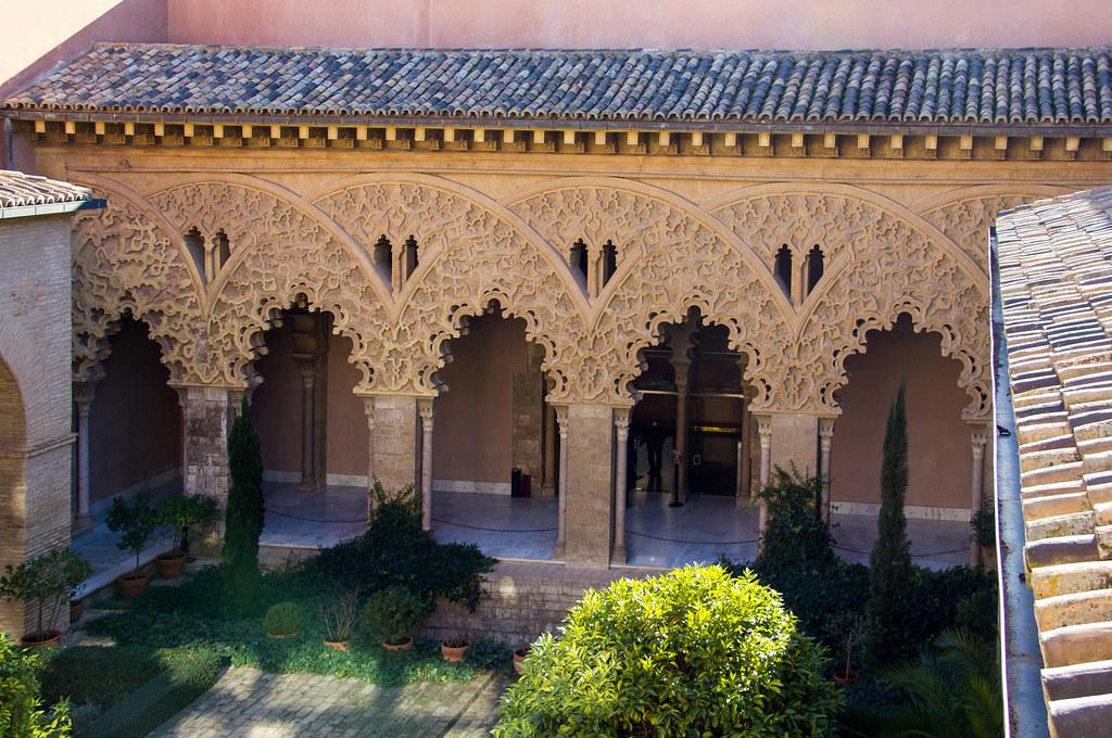 patio Santa Isabel Palacio Aljaferia Zaragoza 04