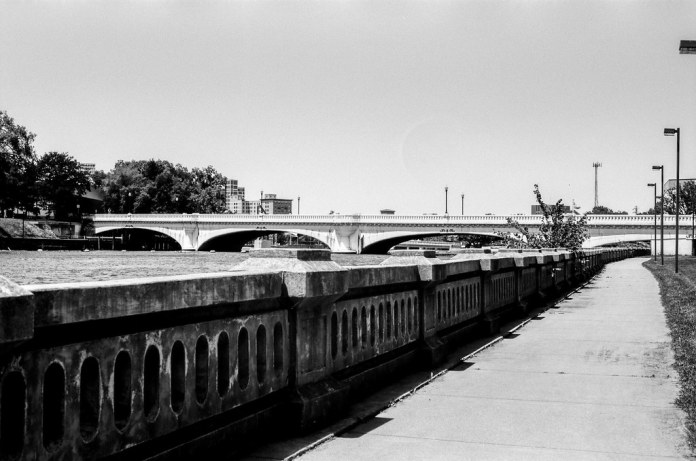 Jefferson Blvd. bridge from Howard Park