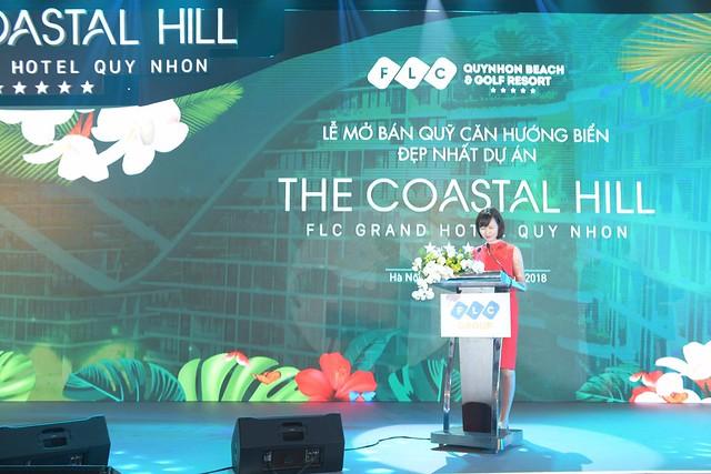 Bà Đàm Ngọc Bích - Phó TGĐ Tập đoàn FLC lên phát biểu khai mạc sự kiện.