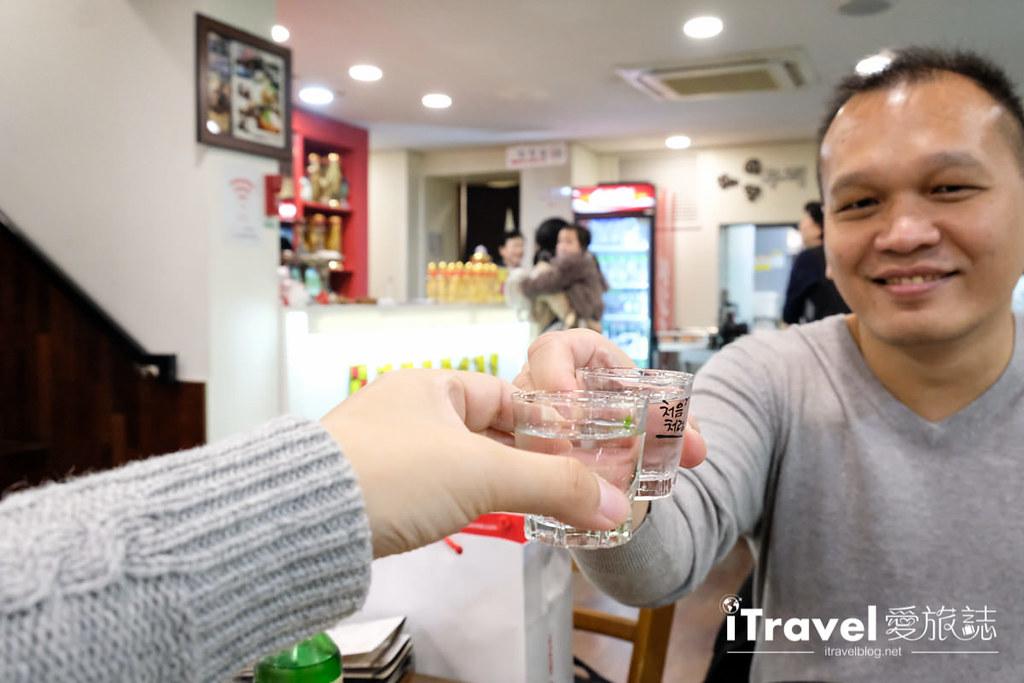 首爾美食餐廳 北村百年土種蔘雞湯 (23)