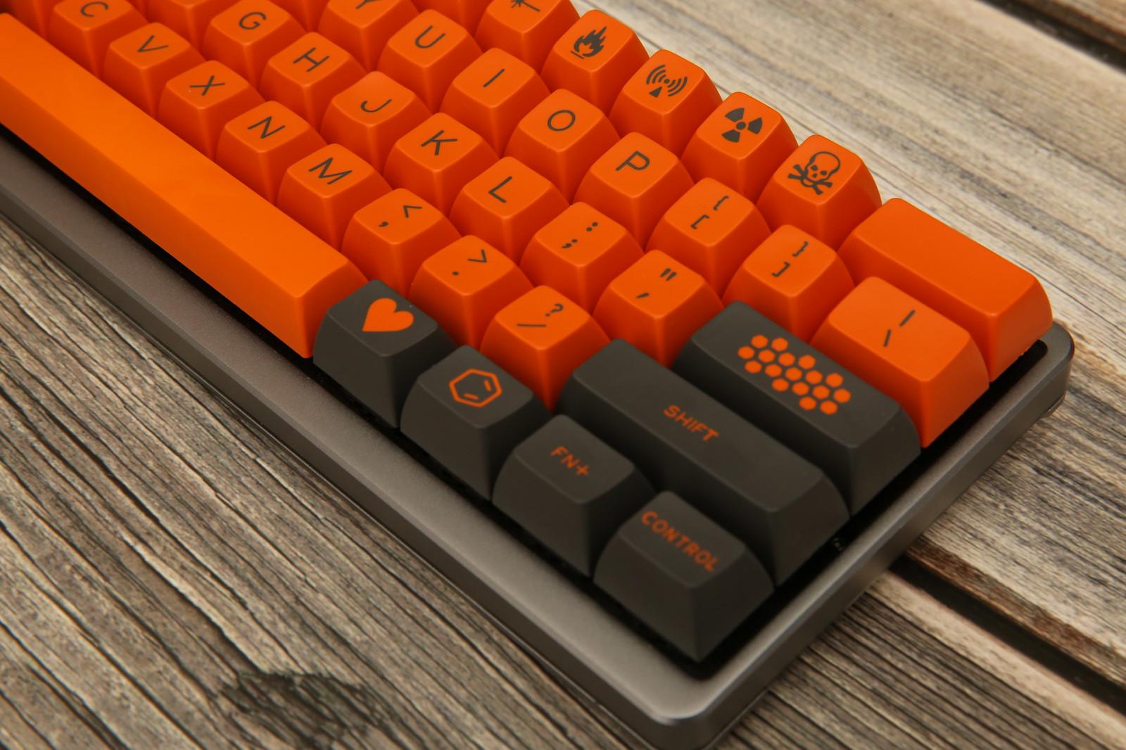[鍵盤] SP SA Carbon R2 &榔頭 Carbon 空白鍵 - 看板 Key_Mou_Pad - 批踢踢實業坊