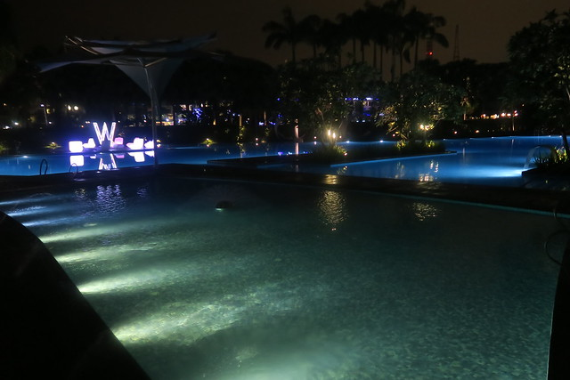 W Singapour - Piscine