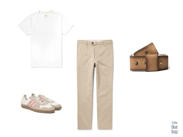 Combinación de chinos beige, camiseta blanca, sneakers y cinturón famara para hombre en un look casual masculino